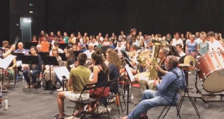 Irribanda:  musika  eta  kantuak  elkartzen